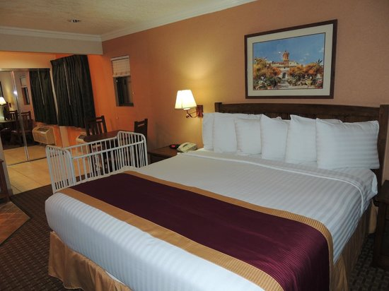 Park Vue Inn :                   Super cozy bed