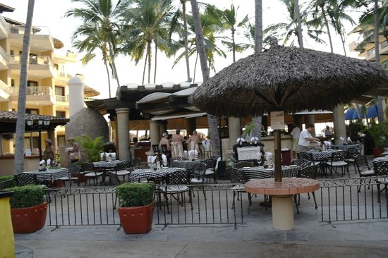 Villa del Palmar Beach Resort & Spa:                   Restaurant and bar area