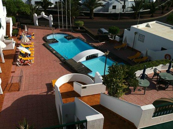 Apartamentos Villa Canaima:                   Vista piscina