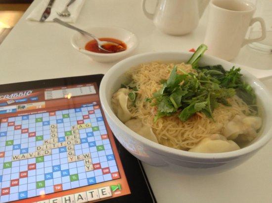 Mooncake Foods : Shanghai Wonton Soup with egg noodles