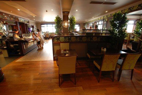 Henrys Bar & Restaurant: Henry's Restaurant