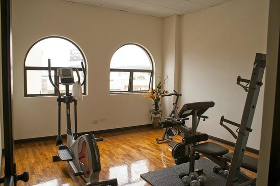 Hotel Plaza Real Apartments & Suites: Gym