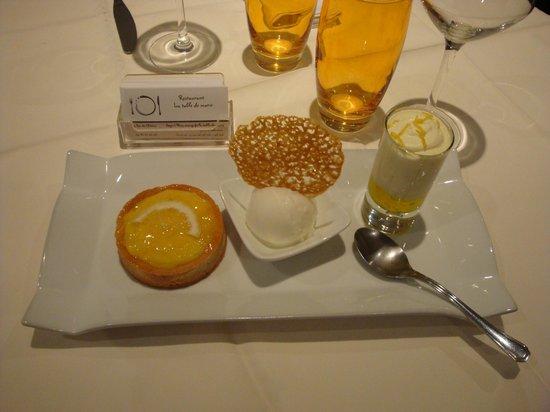 La Table de Marie : Déclinaison de citron ( tarte citron, sorbet maison, mousse limoncello tuile citron )