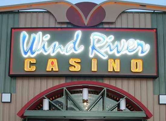 Riverton, WY: Wind River Hotel & Casino Front Entrance