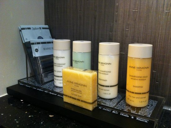 Radisson Blu Aqua Hotel: Bathroom amenities