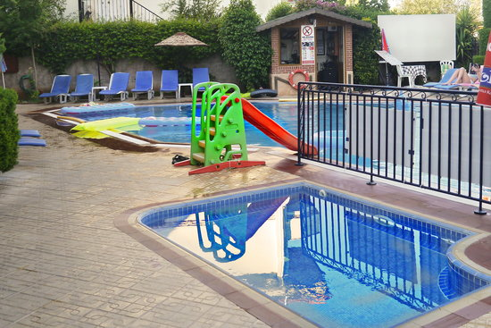 Eden Garden Apartments: Kids Slide