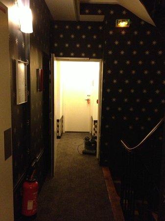 Hotel Joyce - Astotel:                   hallways