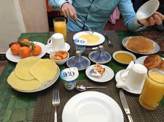 Riad Dar Dialkoum:                   breakfast