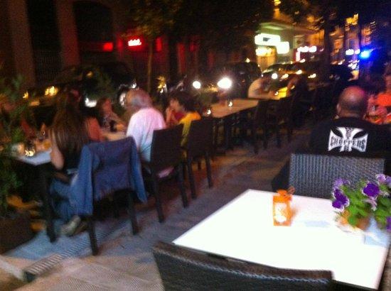 Casa Turca: Y de noche !!