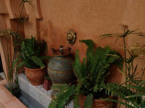 Riad Dar Dialkoum:                   nice fountain in second garden