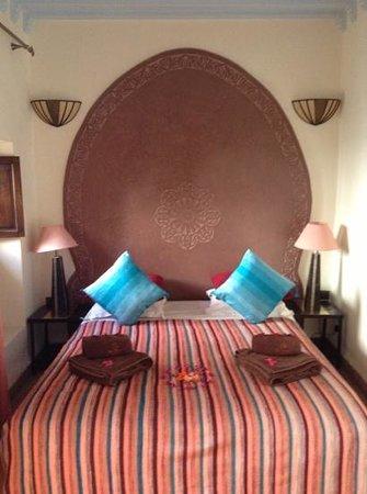 Riad Dar Dialkoum :                   bed