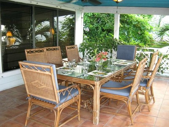 Aqua Bay Villas: Dolphina's Dining for Eight