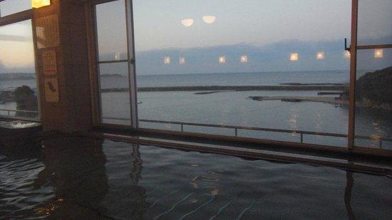 Kanponoyado Kiitanabe:                   五階大浴場からの眺め