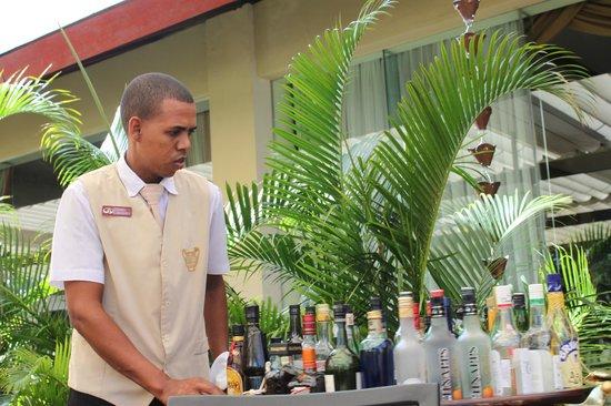 The Royal Suites Turquesa by Palladium:                   resto gourmet , el mejor todas las bebidas incluidas