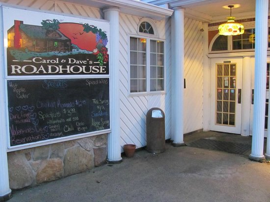Carol and Dave's Roadhouse:                   Entrance - rear parking