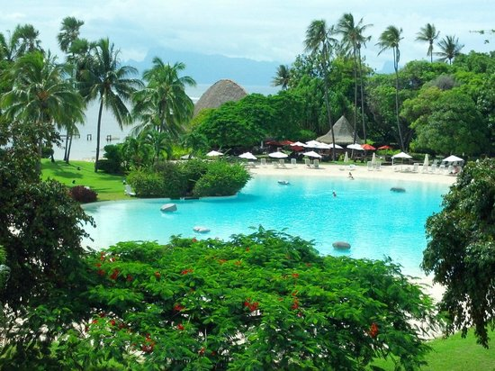 Le Meridien Tahiti: View of pool from our room