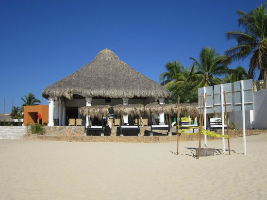 La Isla Huatulco & Beach Club:                   El restaurante del club de playa