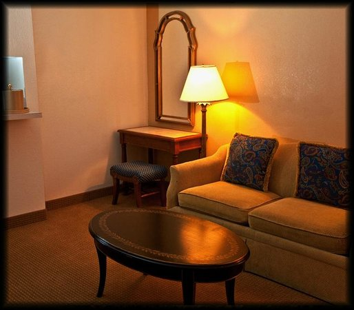 Golden Green Hotel: Room