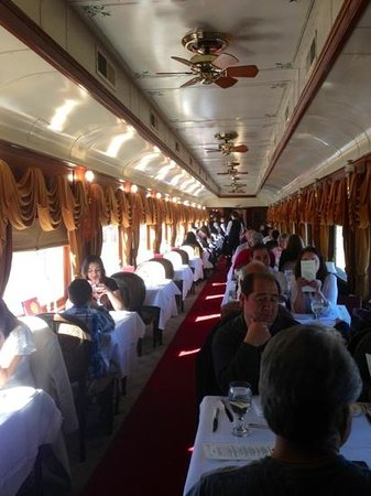 Napa Valley Wine Train: Main dining area