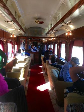 Napa Valley Wine Train: Lounge are with wine tasting bar