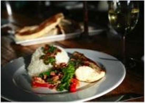 Freycinet Experience Walk Friendly Beaches Lodge: All food is sourced locally and is mouthwatering