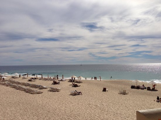 The Westin Los Cabos Resort Villas & Spa:                                                       The beach on a day with little wind and re