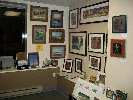 Shenandoah Valley Artworks: Large and small pieces of framed art for every taste.