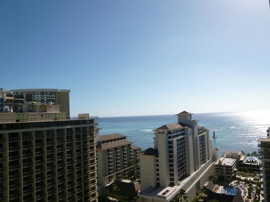 Trump International Hotel Waikiki:                   2110からの眺め