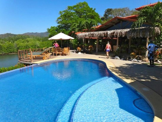 Costa Rica Surf & SUP:                   Afternoon swim,lunch and River Paddle