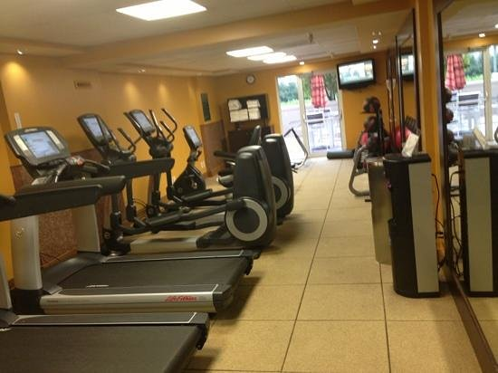 Embassy Suites by Hilton Memphis:                   the gym