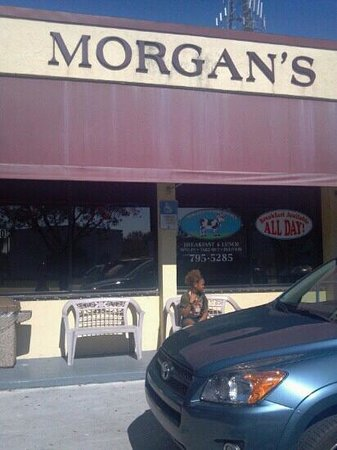 Morgan's Country Kitchen:                                     Small tasty dinner