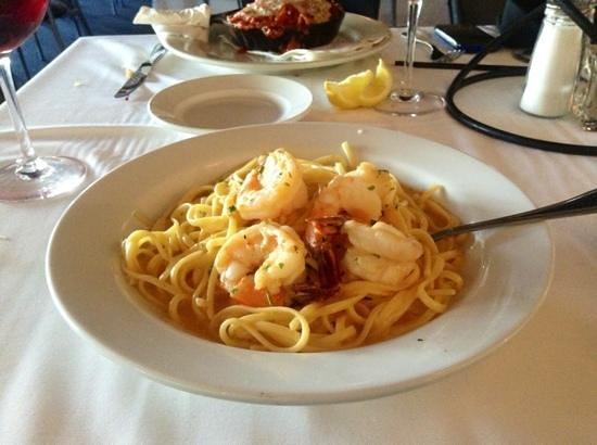 Mama Mia Italian Ristorante: Shrimp scampi