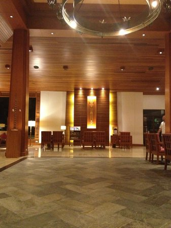 Katathani Phuket Beach Resort: lobby