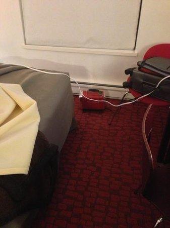 Moda Hotel:                   Petit chauffage rouge