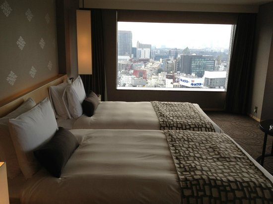 The Capitol Hotel Tokyu:                   六本木方面