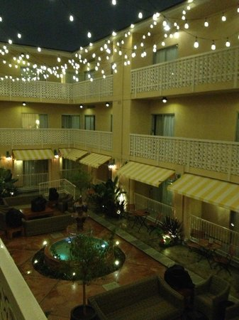 Hollywood Hotel:                   View of the courtyard