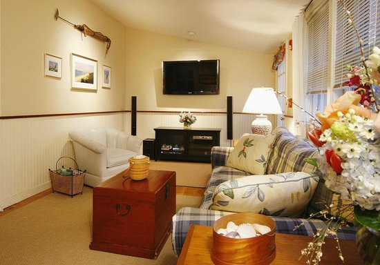 "The Carlisle House Inn: Nantucket Suite Sitting Room with 47"" HDTV"