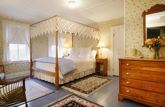 The Carlisle House Inn: Surfside Queen Room with Private Bath