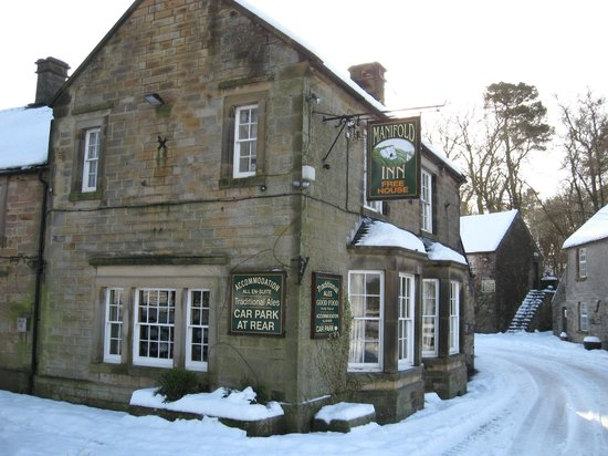 The Manifold Inn: Snowy morning