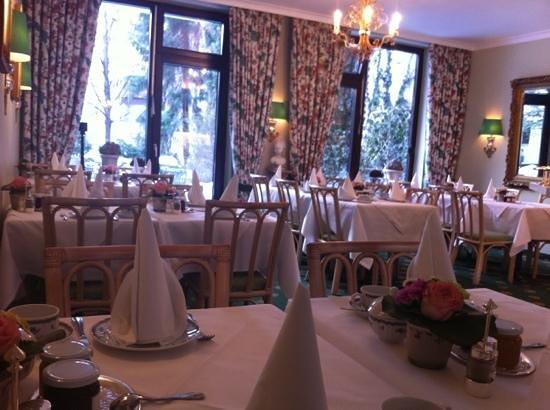 Hotel Admiral:                   sala desayuno