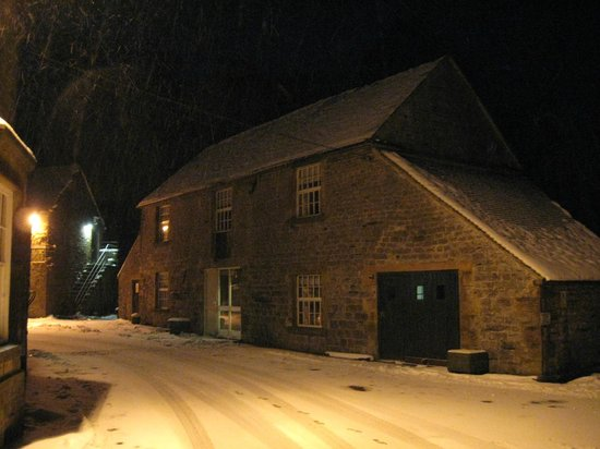 The Manifold Inn: Snowy night