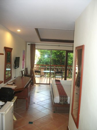 Anyavee Ao Nang Bay Resort:                   Room from door