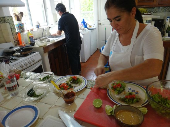 Food Motion Cooking Workshops:                   she made it look easy