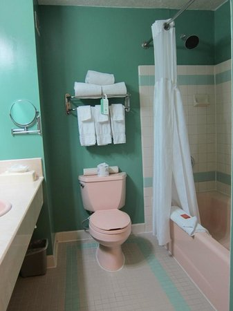 Ocean Park Inn: Bathroom