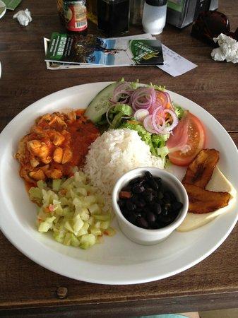 Restaurante Tico y Rico Monteverde: Chicken casado