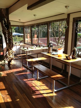 Cabinas Eddy B&B: Breakfast area