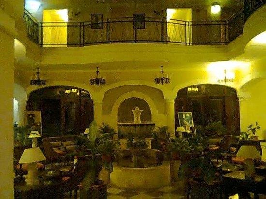 Iberostar Grand Hotel Trinidad:                   Hermoso hotel, estilo colonialm sus habitaciones muy amplias y modernas y su p