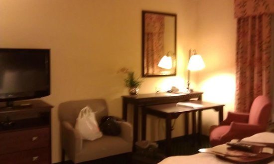 Hampton Inn Los Angeles / Orange County / Cypress: desk