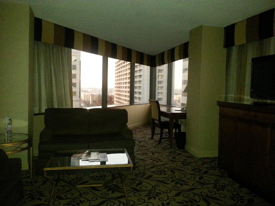 Omni Charlotte Hotel:                   Corner Suite- Perfect! (9th floor)