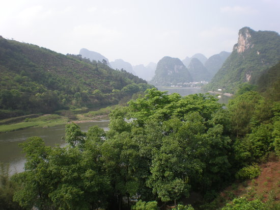 Li River Retreat: Views Towards Yangshuo